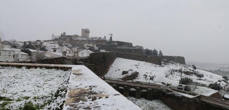 Neve no Alentejo - Maria Miguéns